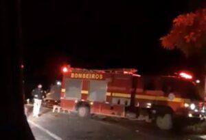 O Corpo de Bombeiros e o Serviço de Atendimento Móvel de Urgência (Samu) foram acionados